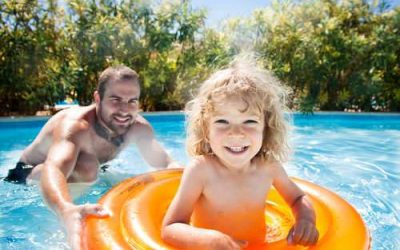 Homes with Pools in Farmington Hills