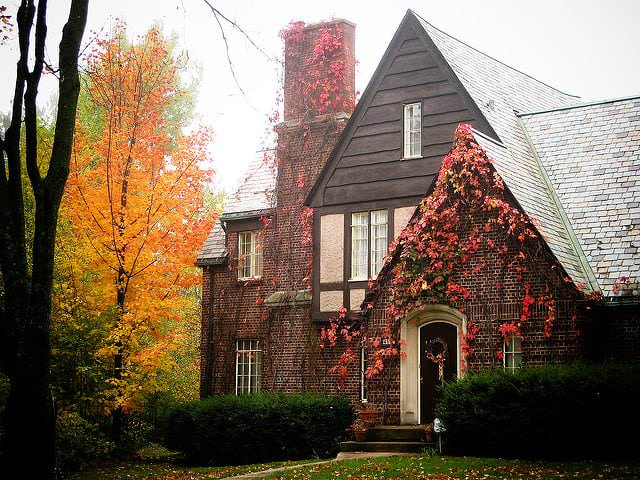 Fall Staging Ideas to Sell a Home in Farmington Hills